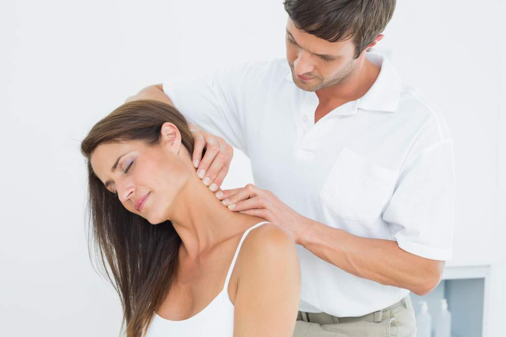 Doctor for Neck Pain in Delhi